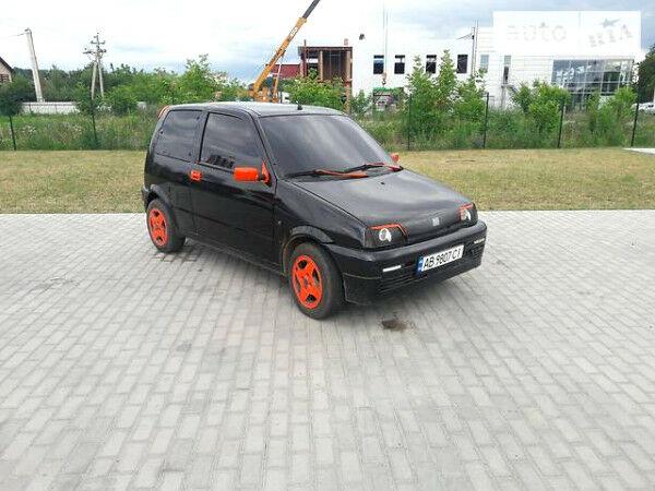 Черный Фиат Чинквеченто, объемом двигателя 0.9 л и пробегом 237 тыс. км за 2500 $, фото 1 на Automoto.ua