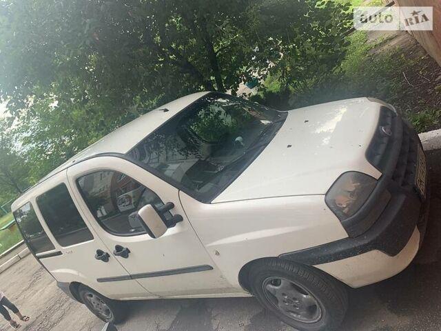 Фиат Добло пасс., объемом двигателя 1.9 л и пробегом 299 тыс. км за 3500 $, фото 1 на Automoto.ua