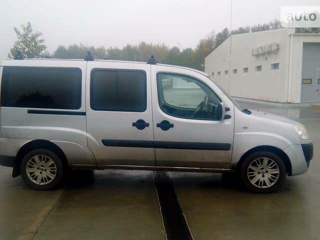Серебряный Фиат Добло пасс., объемом двигателя 1.9 л и пробегом 320 тыс. км за 5900 $, фото 1 на Automoto.ua