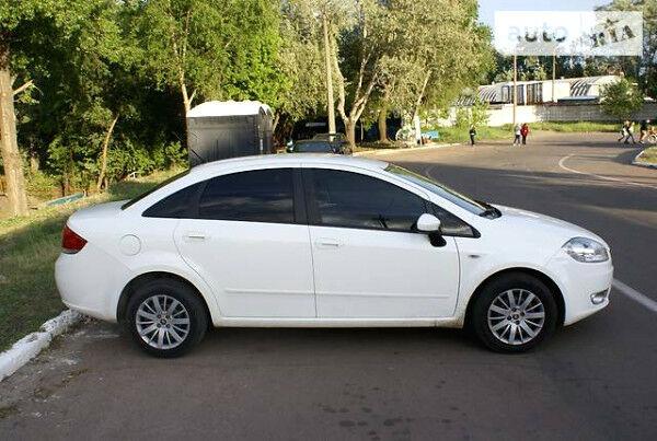 Білий Фіат Лінеа, об'ємом двигуна 1.3 л та пробігом 110 тис. км за 7299 $, фото 1 на Automoto.ua