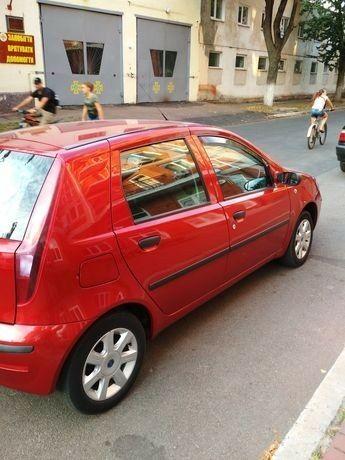 Красный Фиат Пунто, объемом двигателя 1.3 л и пробегом 76 тыс. км за 4750 $, фото 1 на Automoto.ua