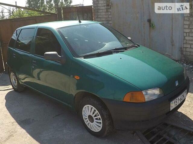 Зелений Фіат Пунто, об'ємом двигуна 1.1 л та пробігом 125 тис. км за 3700 $, фото 1 на Automoto.ua