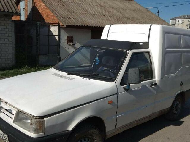 Белый Фиат Fiorino, объемом двигателя 1.7 л и пробегом 200 тыс. км за 1050 $, фото 1 на Automoto.ua