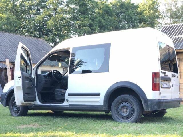 Белый Форд Другая, объемом двигателя 1.8 л и пробегом 254 тыс. км за 4000 $, фото 1 на Automoto.ua