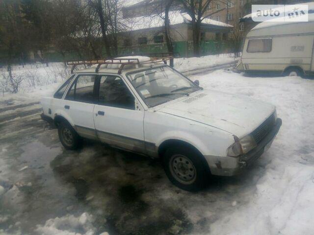 Белый Форд Эскорт, объемом двигателя 1.3 л и пробегом 135 тыс. км за 571 $, фото 1 на Automoto.ua