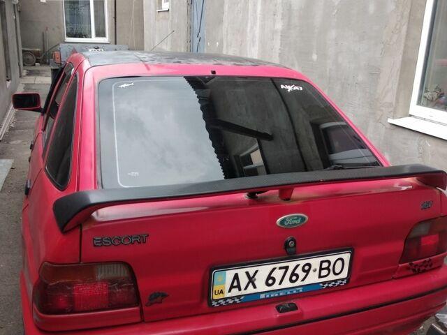 Красный Форд Эскорт, объемом двигателя 2 л и пробегом 1 тыс. км за 1300 $, фото 1 на Automoto.ua