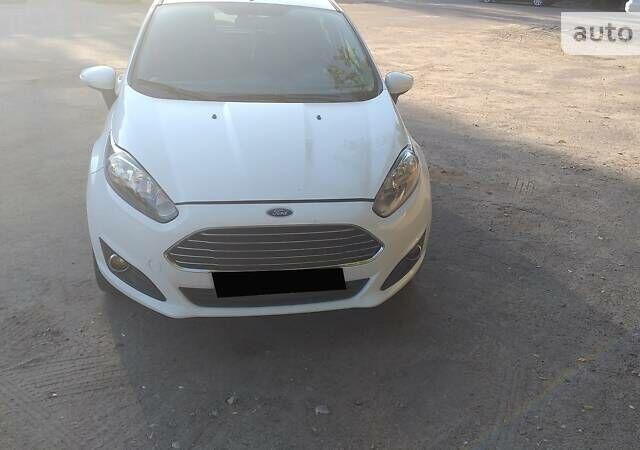 Белый Форд Фиеста, объемом двигателя 1.6 л и пробегом 83 тыс. км за 9500 $, фото 1 на Automoto.ua