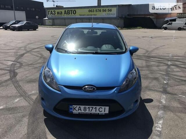 Синий Форд Фиеста, объемом двигателя 1.4 л и пробегом 104 тыс. км за 7600 $, фото 1 на Automoto.ua