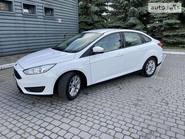 Белый Форд Фокус, объемом двигателя 2 л и пробегом 75 тыс. км за 9250 $, фото 1 на Automoto.ua