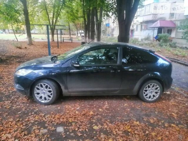 Черный Форд Фокус, объемом двигателя 1.6 л и пробегом 94 тыс. км за 6500 $, фото 1 на Automoto.ua
