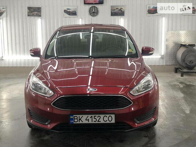 Красный Форд Фокус, объемом двигателя 2 л и пробегом 59 тыс. км за 10499 $, фото 1 на Automoto.ua