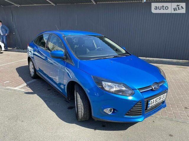 Синий Форд Фокус, объемом двигателя 2 л и пробегом 216 тыс. км за 7500 $, фото 1 на Automoto.ua