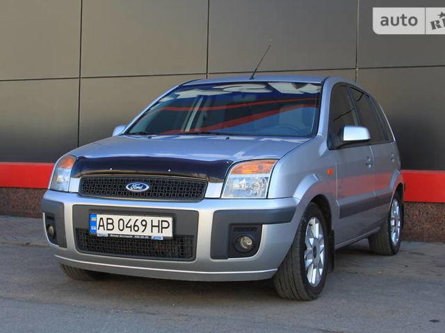 Серый Форд Фьюжн, объемом двигателя 1.4 л и пробегом 150 тыс. км за 5700 $, фото 1 на Automoto.ua