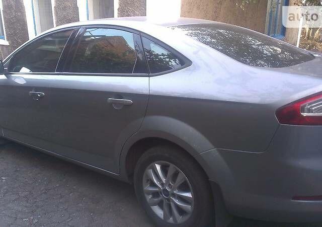 Серый Форд Мондео, объемом двигателя 2 л и пробегом 112 тыс. км за 12500 $, фото 1 на Automoto.ua