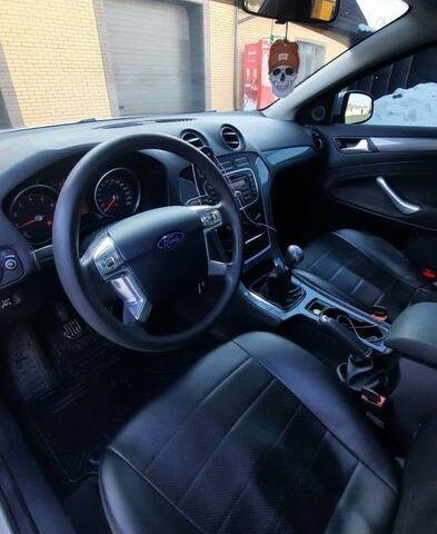Серый Форд Мондео, объемом двигателя 1.6 л и пробегом 70 тыс. км за 9500 $, фото 1 на Automoto.ua
