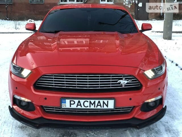 Красный Форд Мустанг, объемом двигателя 2.3 л и пробегом 70 тыс. км за 22200 $, фото 1 на Automoto.ua