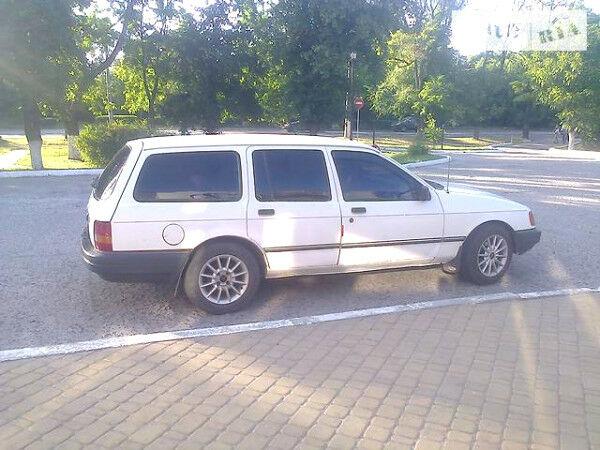 Белый Форд Сиерра, объемом двигателя 2 л и пробегом 52 тыс. км за 1699 $, фото 1 на Automoto.ua