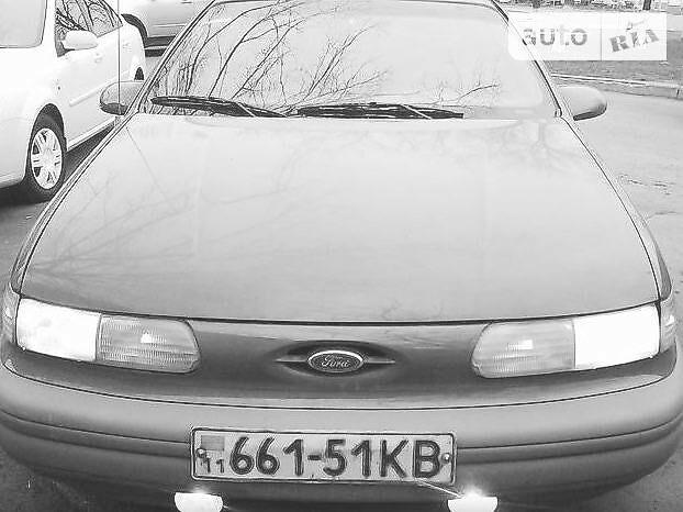 Серый Форд Таурус, объемом двигателя 3.8 л и пробегом 170 тыс. км за 3521 $, фото 1 на Automoto.ua