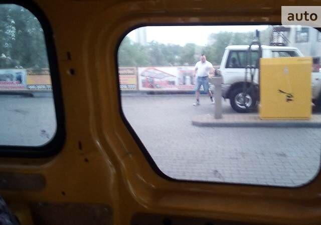 Апельсин Форд Транзит Коннект пасс., объемом двигателя 1.8 л и пробегом 246 тыс. км за 5300 $, фото 1 на Automoto.ua