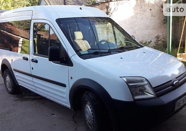 Белый Форд Транзит Коннект пасс., объемом двигателя 1.8 л и пробегом 250 тыс. км за 7700 $, фото 1 на Automoto.ua