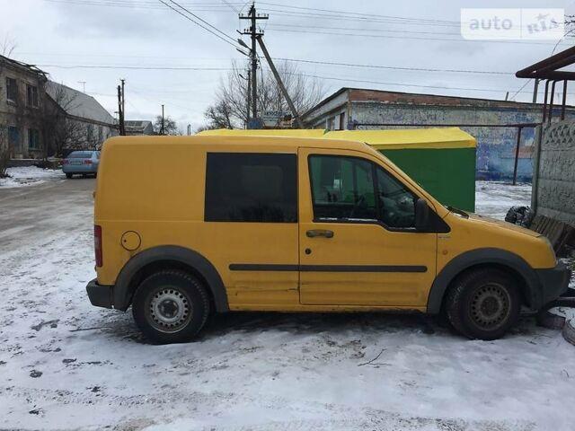 Желтый Форд Транзит Коннект пасс., объемом двигателя 1.8 л и пробегом 330 тыс. км за 4000 $, фото 1 на Automoto.ua
