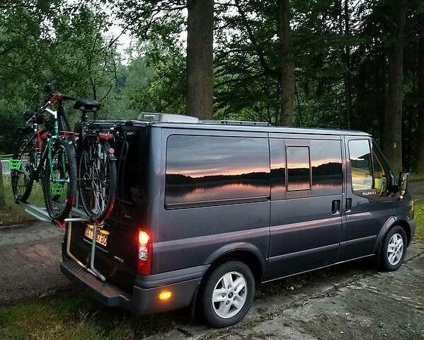Серый Форд Transit Custom пасс., объемом двигателя 2.2 л и пробегом 198 тыс. км за 15800 $, фото 1 на Automoto.ua