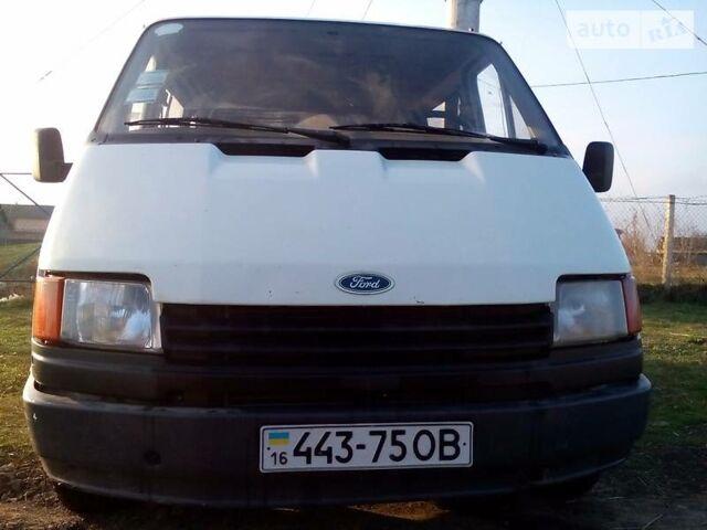 Белый Форд Транзит пасс., объемом двигателя 2 л и пробегом 50 тыс. км за 1600 $, фото 1 на Automoto.ua