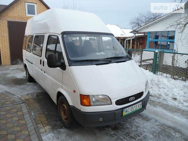 Белый Форд Транзит пасс., объемом двигателя 2.5 л и пробегом 320 тыс. км за 5700 $, фото 1 на Automoto.ua