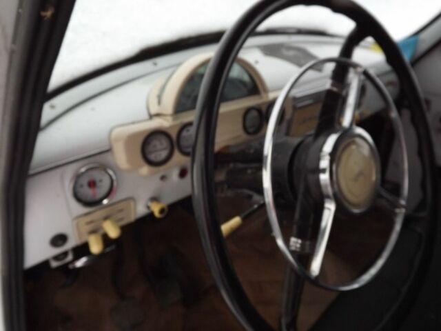 Белый ГАЗ 21, объемом двигателя 2.5 л и пробегом 1 тыс. км за 3900 $, фото 1 на Automoto.ua