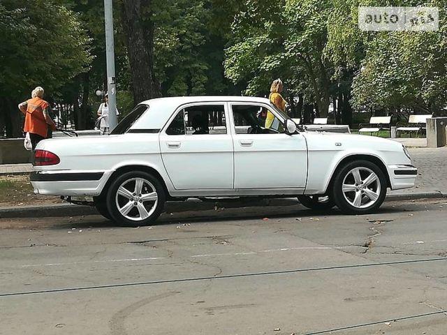 Белый ГАЗ 31105, объемом двигателя 2.5 л и пробегом 137 тыс. км за 3500 $, фото 1 на Automoto.ua