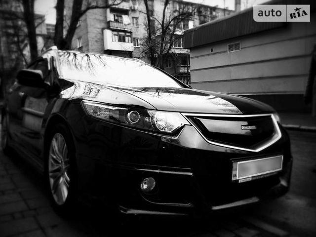 Чорний Хонда Аккорд Турер, об'ємом двигуна 2 л та пробігом 116 тис. км за 12000 $, фото 1 на Automoto.ua