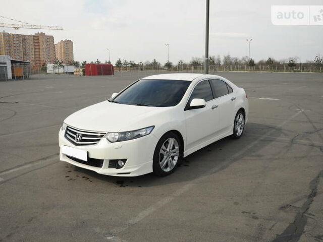 Белый Хонда Аккорд, об'ємом двигуна 2.4 л та пробігом 150 тис. км за 12500 $, фото 1 на Automoto.ua
