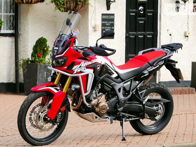 Красный Хонда Африка Твин, объемом двигателя 1 л и пробегом 11 тыс. км за 5790 $, фото 1 на Automoto.ua