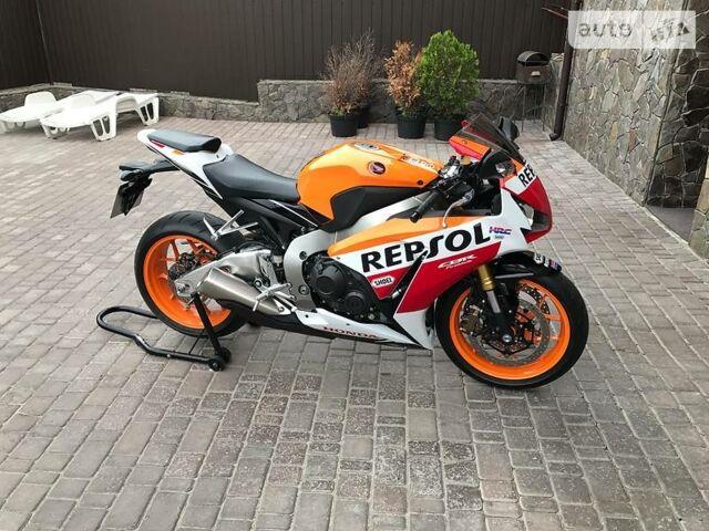 Апельсин Хонда ЦБР, объемом двигателя 1 л и пробегом 2 тыс. км за 13500 $, фото 1 на Automoto.ua