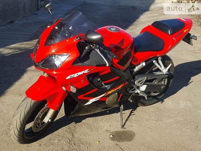 Красный Хонда ЦБР, объемом двигателя 0.6 л и пробегом 32 тыс. км за 3900 $, фото 1 на Automoto.ua