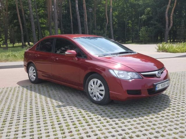 Красный Хонда Цивик, объемом двигателя 1.8 л и пробегом 283 тыс. км за 6000 $, фото 1 на Automoto.ua