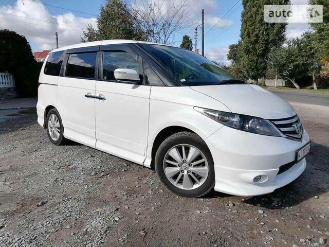 Белый Хонда Одиссей, объемом двигателя 3 л и пробегом 130 тыс. км за 12000 $, фото 1 на Automoto.ua