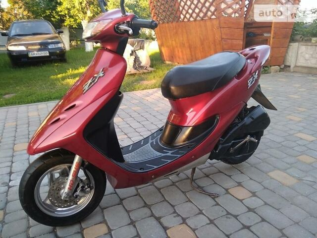 Красный Хонда ЗКС, объемом двигателя 0.05 л и пробегом 5 тыс. км за 400 $, фото 1 на Automoto.ua
