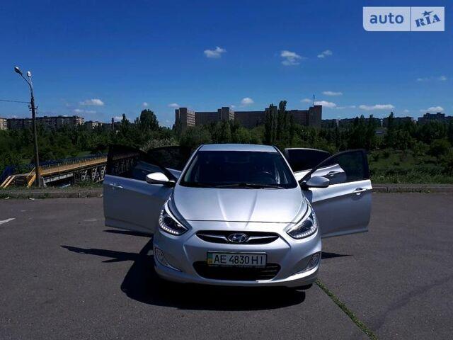 Серебряный Хендай Акцент, объемом двигателя 1.4 л и пробегом 69 тыс. км за 9200 $, фото 1 на Automoto.ua