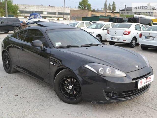Черный Хендай Купе, объемом двигателя 2 л и пробегом 143 тыс. км за 9600 $, фото 1 на Automoto.ua