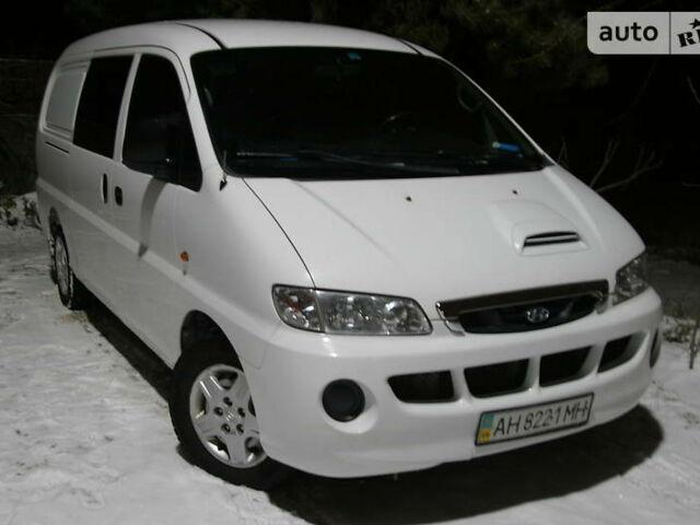Белый Хендай Н1 груз., объемом двигателя 2.5 л и пробегом 211 тыс. км за 6500 $, фото 1 на Automoto.ua
