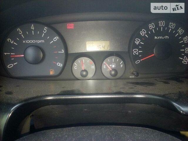 Серебряный Хендай Н1 груз., объемом двигателя 2.4 л и пробегом 351 тыс. км за 5000 $, фото 1 на Automoto.ua