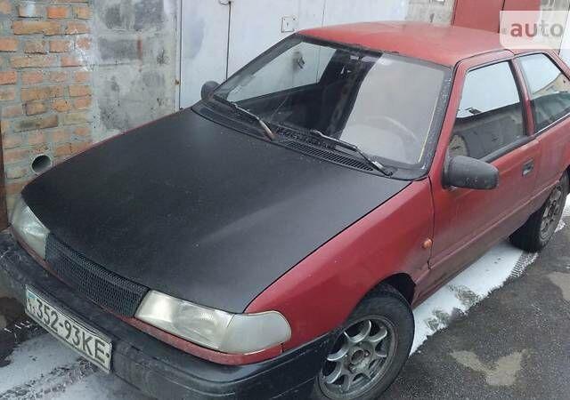 Красный Хендай Пони, объемом двигателя 1.5 л и пробегом 156 тыс. км за 2000 $, фото 1 на Automoto.ua