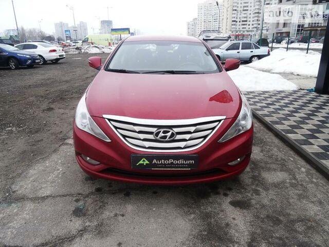 Червоний Хендай Соната, об'ємом двигуна 2 л та пробігом 40 тис. км за 14700 $, фото 1 на Automoto.ua