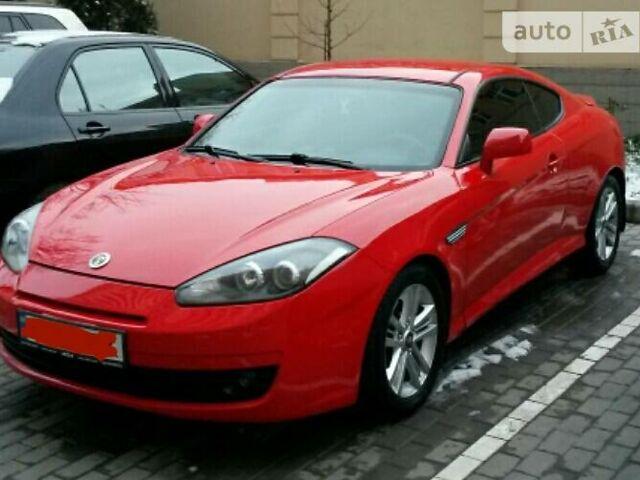 Красный Хендай Тибурон, объемом двигателя 2 л и пробегом 73 тыс. км за 10500 $, фото 1 на Automoto.ua