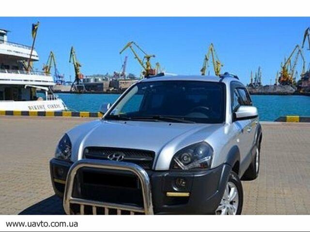 Серебряный Хендай Туксон, объемом двигателя 2 л и пробегом 137 тыс. км за 11003 $, фото 1 на Automoto.ua