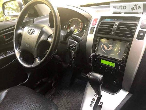 Сірий Хендай Туксон, об'ємом двигуна 2.7 л та пробігом 116 тис. км за 7200 $, фото 1 на Automoto.ua