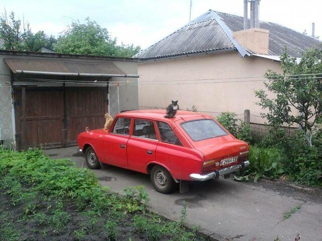 Красный ИЖ 21251, объемом двигателя 1.5 л и пробегом 120 тыс. км за 800 $, фото 1 на Automoto.ua