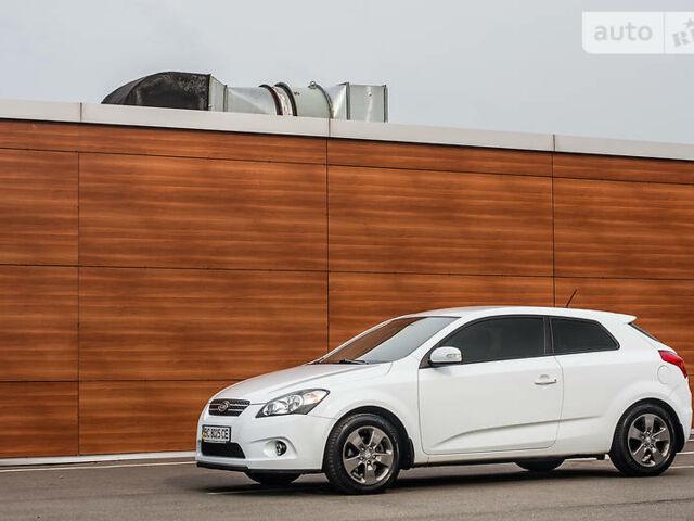 Білий Кіа Cee'd, об'ємом двигуна 1.6 л та пробігом 159 тис. км за 9750 $, фото 1 на Automoto.ua