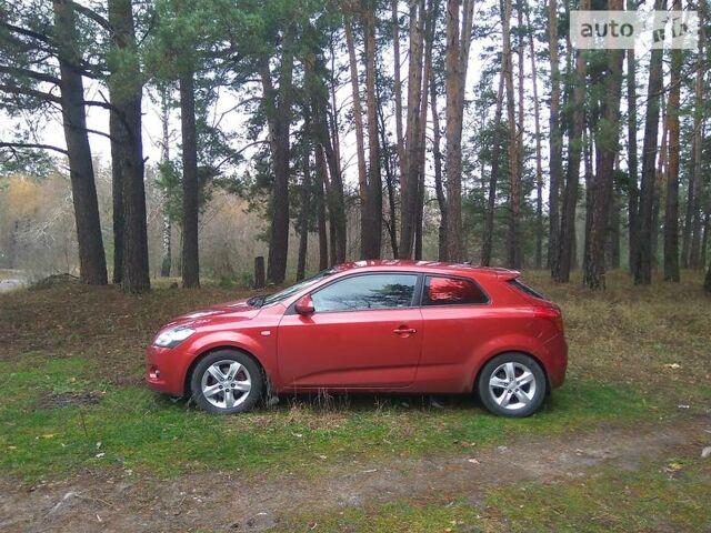 Красный Киа Cee'd, объемом двигателя 1.6 л и пробегом 180 тыс. км за 6500 $, фото 1 на Automoto.ua